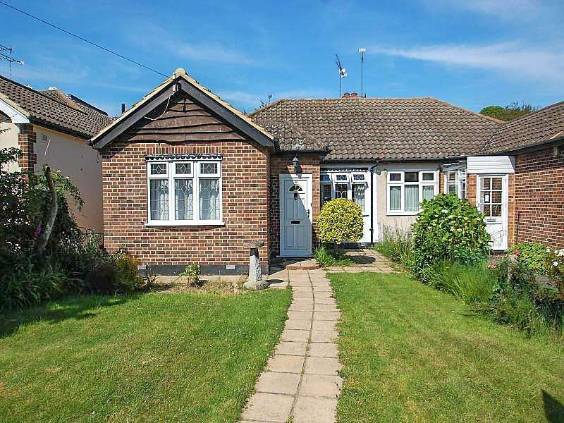 2 Bedrooms Semi Detached Bungalow for sale in The Meadows, Ingrave, Brentwood, Essex, CM13