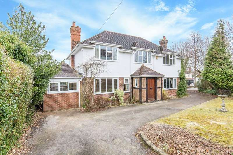 4 Bedrooms Detached House for sale in Purley Downs Road, Sanderstead, Surrey, CR2 0RH