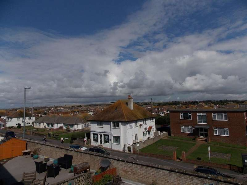 2 Bedrooms Flat for sale in Channel Views, 213 South Coast Road, Peacehaven, East Sussex