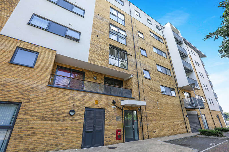 1 Bedroom Flat for sale in Southmere Drive, London, SE2
