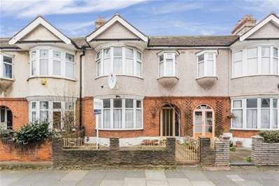 3 Bedrooms Terraced House for sale in Wadham Avenue, London