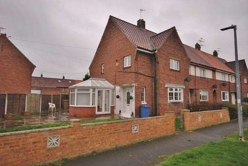 3 Bedrooms Semi Detached House for sale in Nolloth Crescent, Beverley