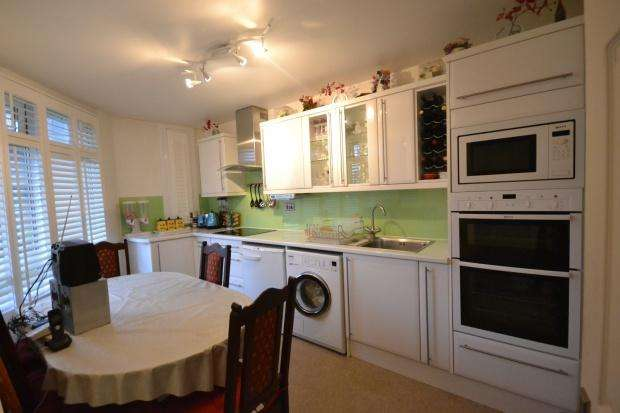 3 Bedrooms Maisonette Flat for sale in Despard House 43 Palace Road, London, SW2