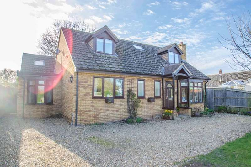 4 Bedrooms Detached Bungalow for sale in Malthouse Way, Barrington, Cambridge, CB22