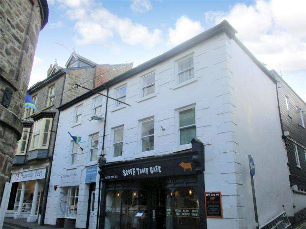 1 Bedroom Flat for sale in Cheriton House, 11 Market Place, St. Ives, Cornwall
