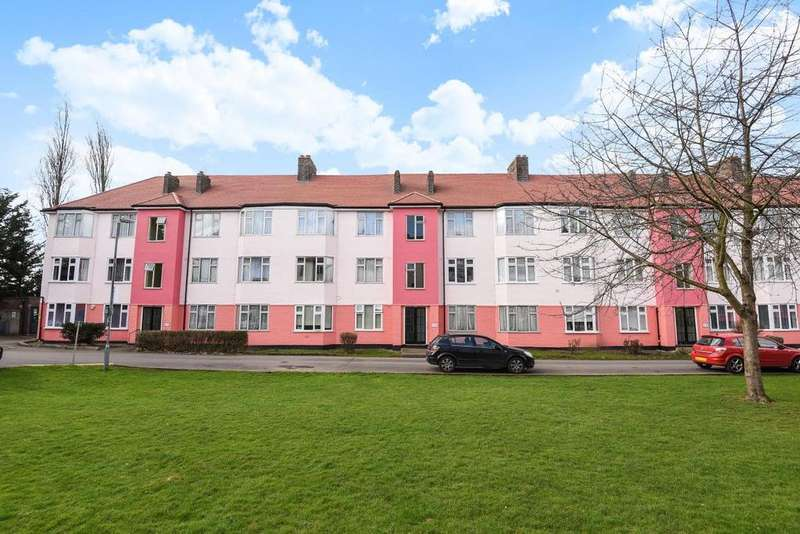 2 Bedrooms Flat for sale in Chinbrook Road, Grove Park, SE12