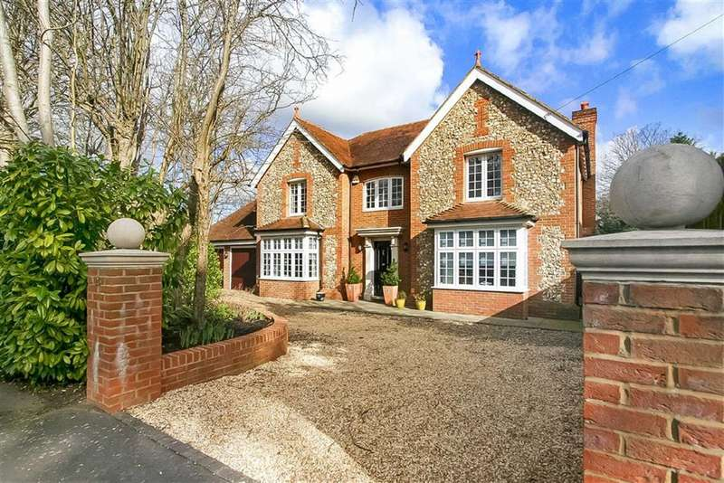 5 Bedrooms Property for sale in The Ridge Way, Sanderstead, South Croydon, Surrey