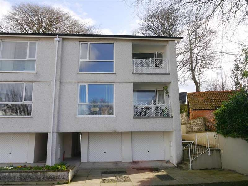 2 Bedrooms Flat for sale in Elm Court, Truro
