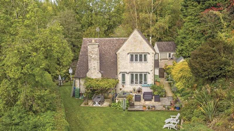 4 Bedrooms Country House Character Property for sale in Toadsmoor, Stroud