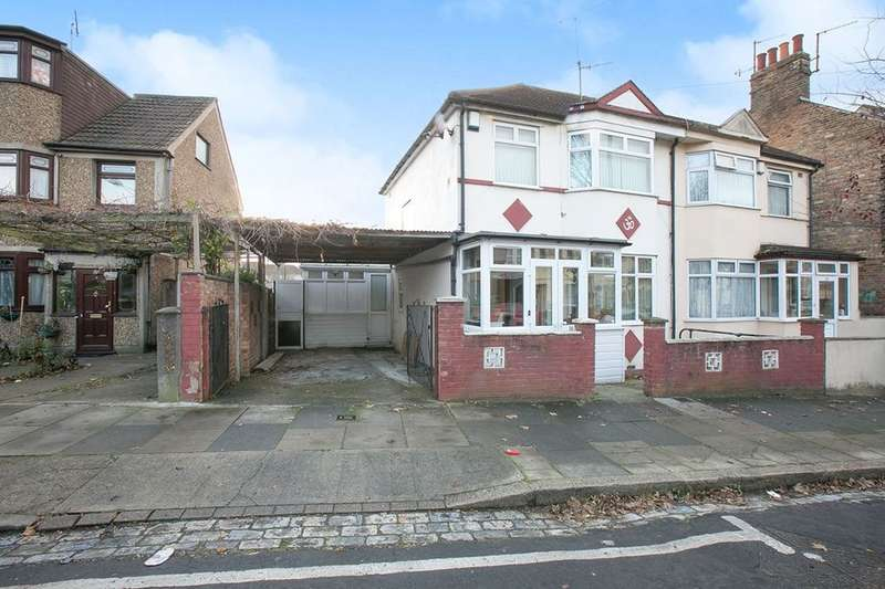 3 Bedrooms Semi Detached House for sale in Gatling Road, Abbey Wood, London, SE2