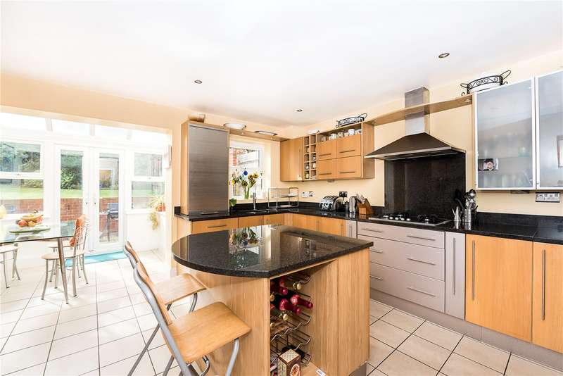4 Bedrooms Terraced House for sale in Floyer Close, Richmond, TW10