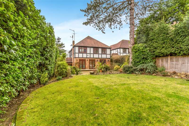 4 Bedrooms Detached House for sale in Hartsbourne Close, Bushey Heath, Hertfordshire, WD23