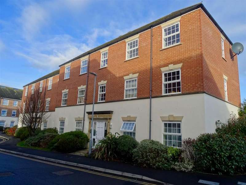 2 Bedrooms Apartment Flat for sale in Gatehouse Court, Taunton
