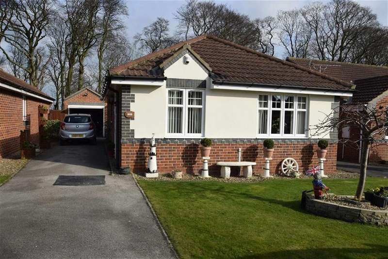 3 Bedrooms Detached Bungalow for sale in Stowe Garth, Bridlington, East Yorkshire, YO16