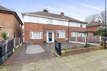 4 Bedrooms Semi Detached House for sale in Washbrook Drive, Stretford, Manchester, Greater Manchester