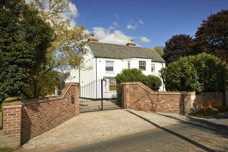 5 Bedrooms Detached House for sale in Great Bromley