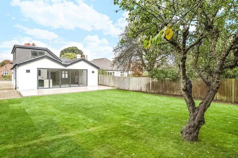5 Bedrooms Detached Bungalow for sale in Esher