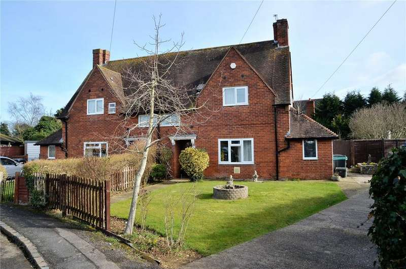 3 Bedrooms Semi Detached House for sale in Lambfields, Theale, Reading, RG7