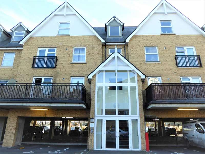 1 Bedroom Flat for sale in Tanners Close, Perry Street, Crayford Kent, DA1 4FF