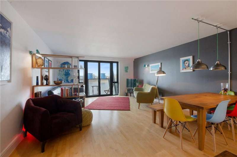 2 Bedrooms Flat for sale in Vanguard Building, 18 Westferry Road, Nr Canary Wharf, London, E14