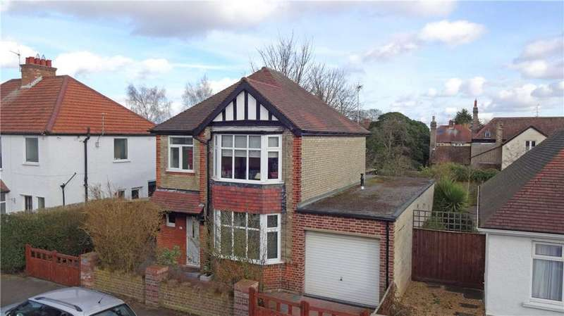 4 Bedrooms Detached House for sale in Stretten Avenue, Cambridge, CB4