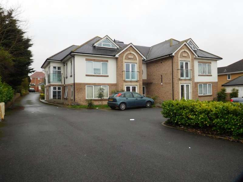 2 Bedrooms Flat for sale in Oakdale Road, Poole BH15