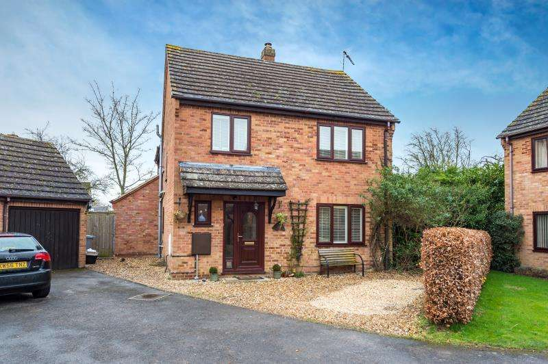 4 Bedrooms Detached House for sale in Manor Road, Ducklington, Witney, Oxfordshire