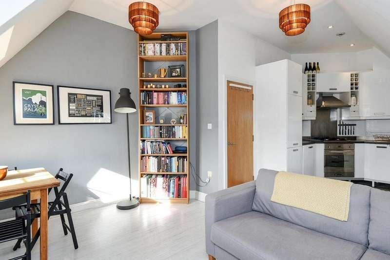2 Bedrooms Flat for sale in Birkbeck Road, Beckenham, BR3