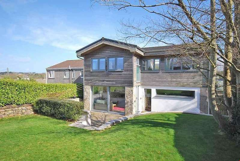 4 Bedrooms Detached House for sale in Hayle, West Cornwall , TR27