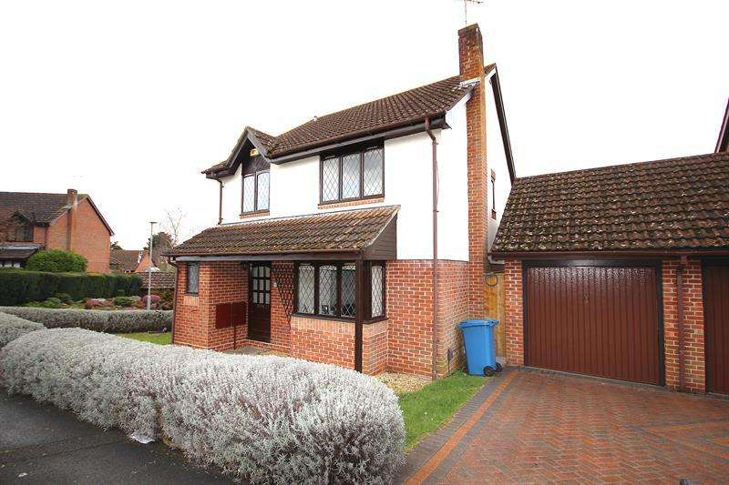 4 Bedrooms Detached House for sale in Westham Close, Canford Heath, Poole