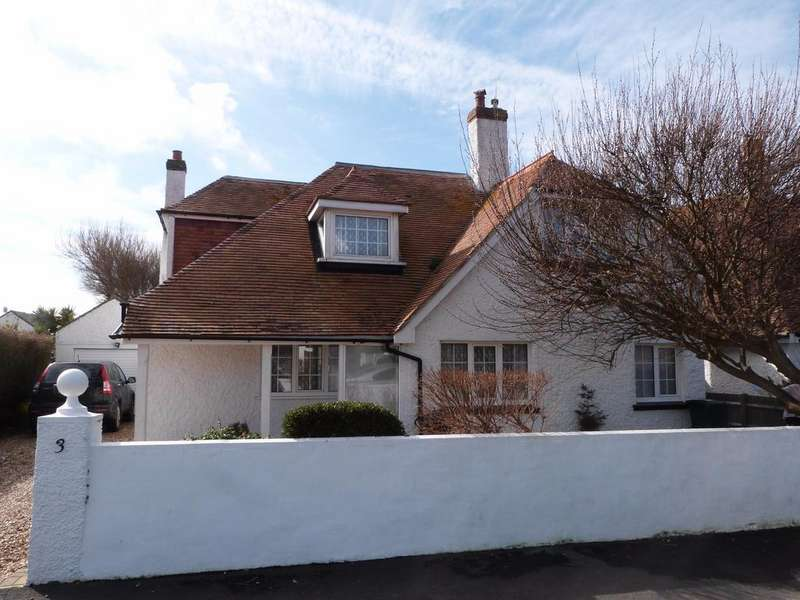 3 Bedrooms Detached House for sale in Clayton Road, Selsey