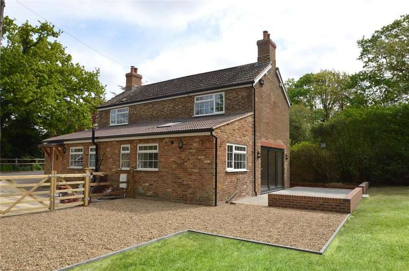 3 Bedrooms Detached House for sale in Prune Hill, Englefield Green, Egham, Surrey