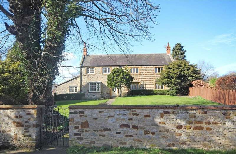 4 Bedrooms Detached House for sale in Main Street, Denton, Northamptonshire, NN7