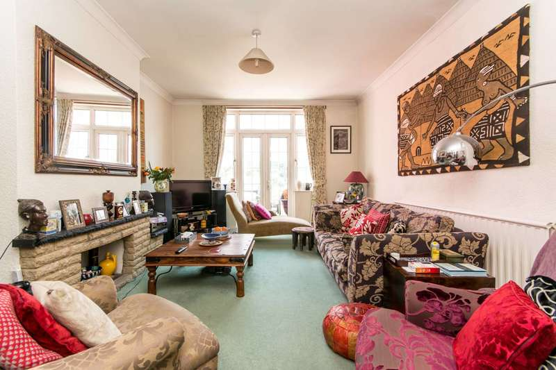 4 Bedrooms House for sale in Holden Road, Woodside Park, N12