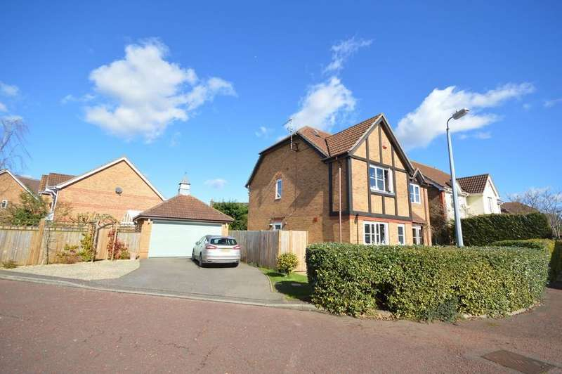 6 Bedrooms Detached House for sale in Mercury Close, Roman Fields
