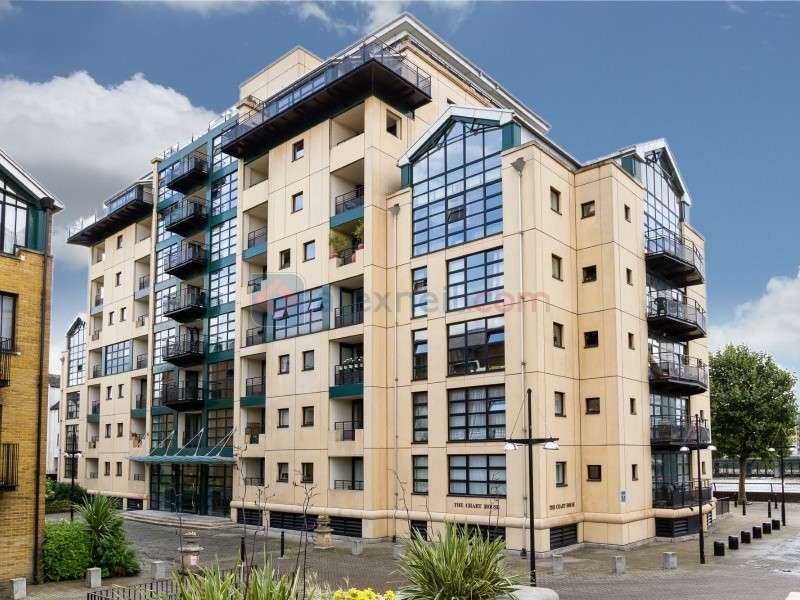 Flat for sale in Burrells Wharf Square, Docklands E14
