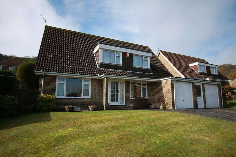 4 Bedrooms Detached House for sale in Wells Close, Eastbourne BN20
