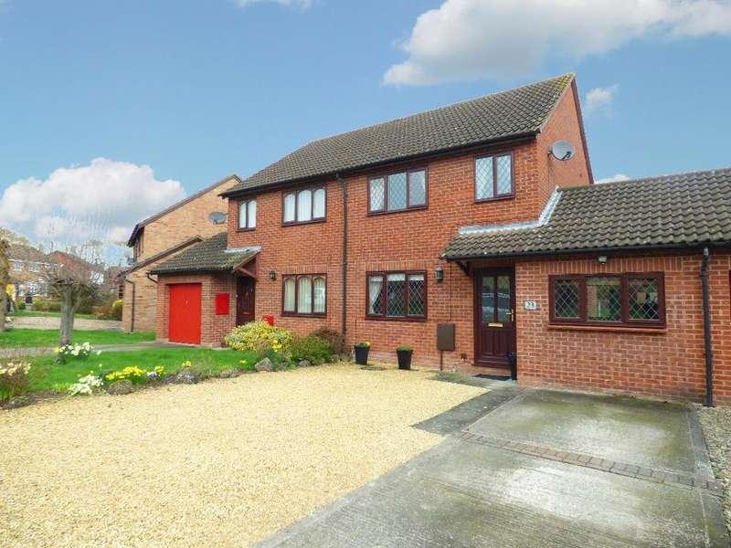 3 Bedrooms Semi Detached House for sale in Thistledown Grove, Hampton Dene, Hereford
