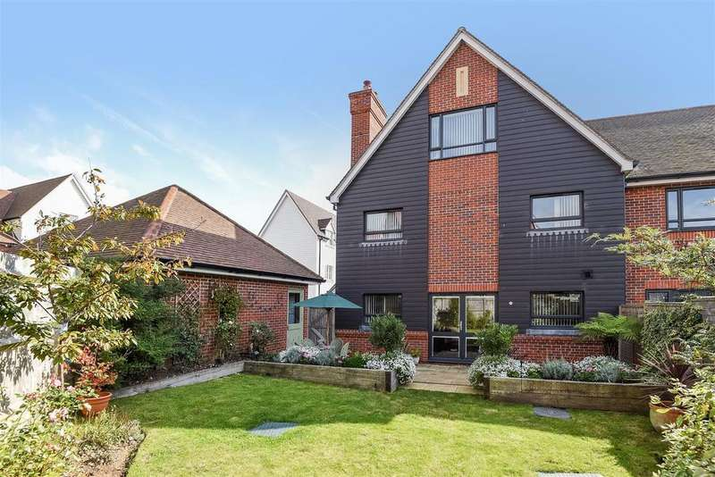 5 Bedrooms End Of Terrace House for sale in Lillywhite Road, Westhampnett, Chichester