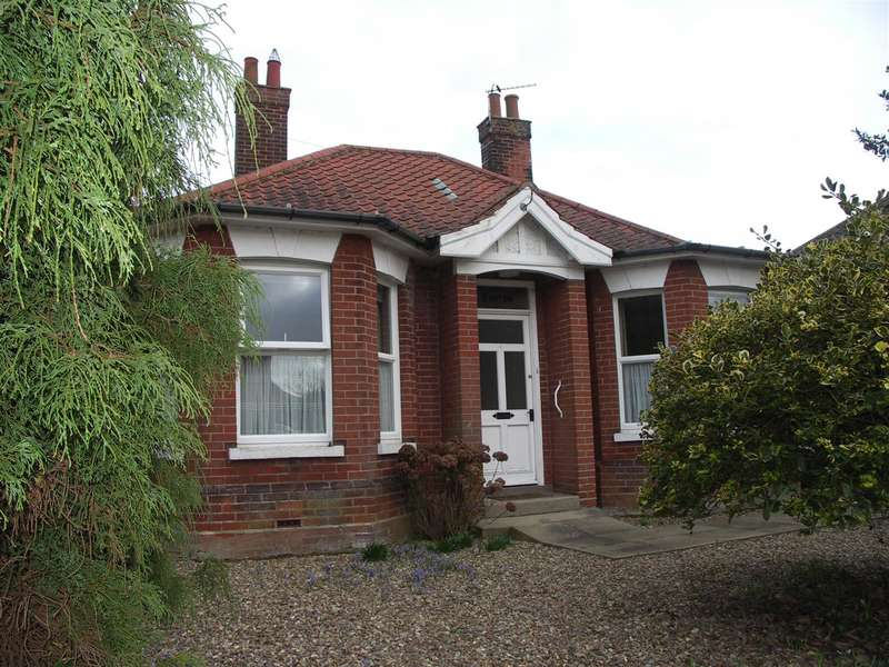 3 Bedrooms Bungalow for sale in Stalham, Norwich, Norfolk, NR12