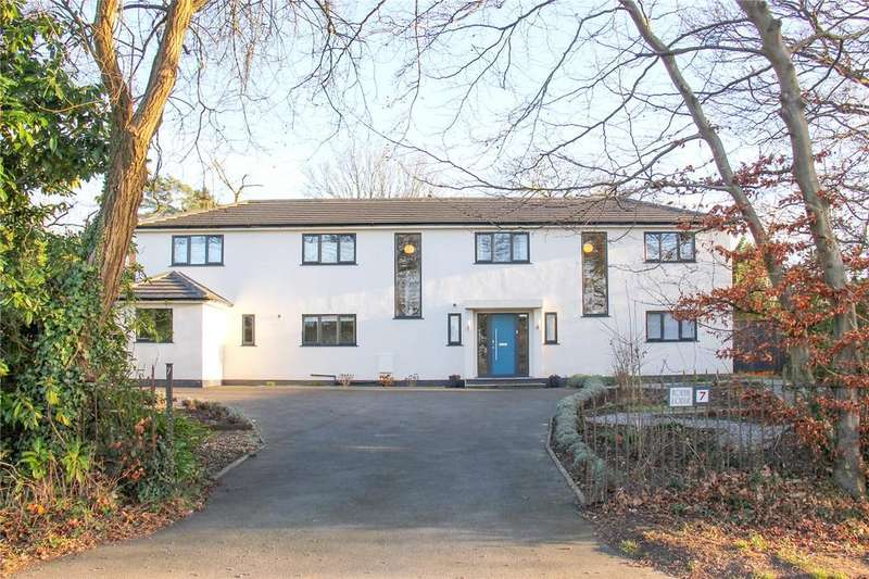 5 Bedrooms Detached House for sale in Boundstone Road, Wrecclesham, Farnham, Surrey, GU10