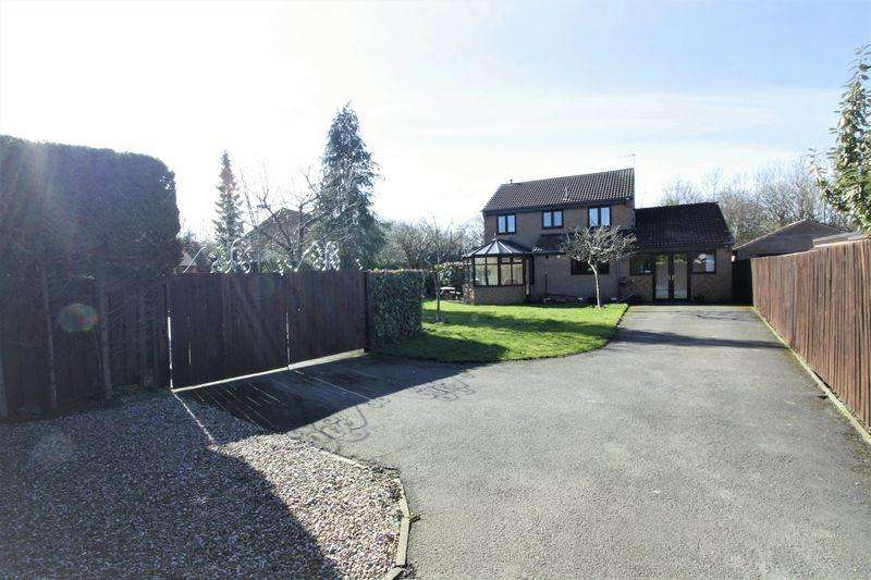 4 Bedrooms Detached House for sale in Castle Close, St Bedes Park, Stockton, TS19 0SL