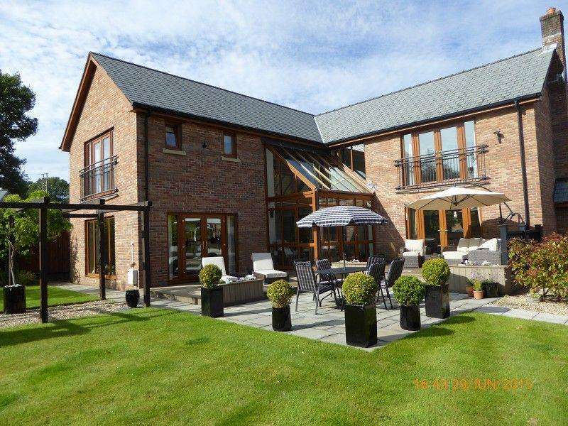 4 Bedrooms Detached House for sale in Pen Yr Alltwen Park, Rhos, Pontardawe.
