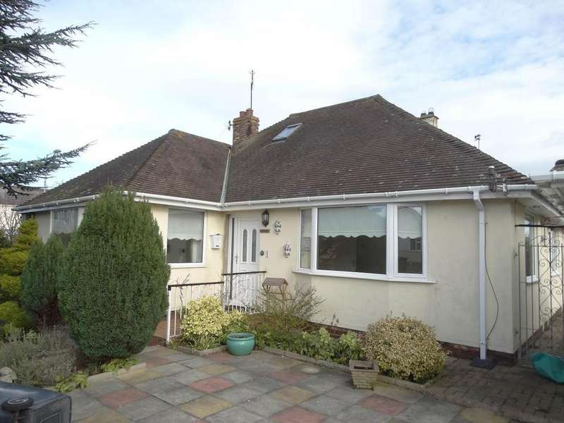 3 Bedrooms Detached House for sale in 1 Mossley Mount, Penrhyn Bay, LL30 3HF