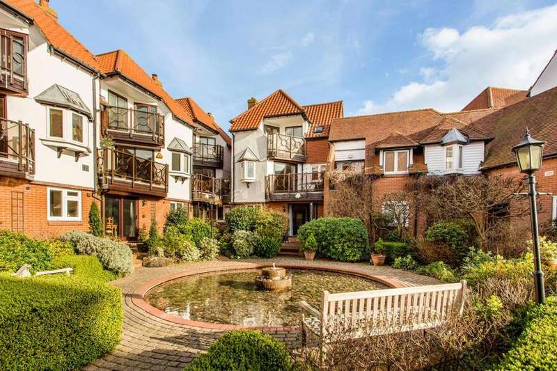 4 Bedrooms Town House for sale in Regents Court, Kings Road, Burnham-On-Crouch, Essex, CM0