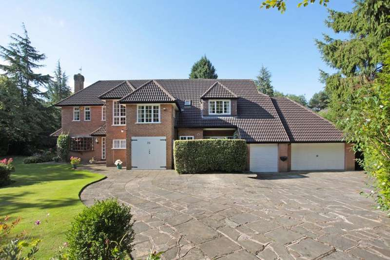 4 Bedrooms Detached House for sale in Chapel Lane, Hale Barns, Cheshire, WA15