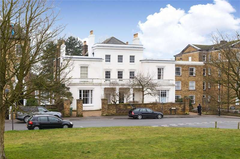 4 Bedrooms Apartment Flat for sale in Heathfield House, Eliot Place, London, SE3
