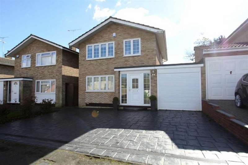 3 Bedrooms Detached House for sale in South Ridge, Billericay, CM11 2EP