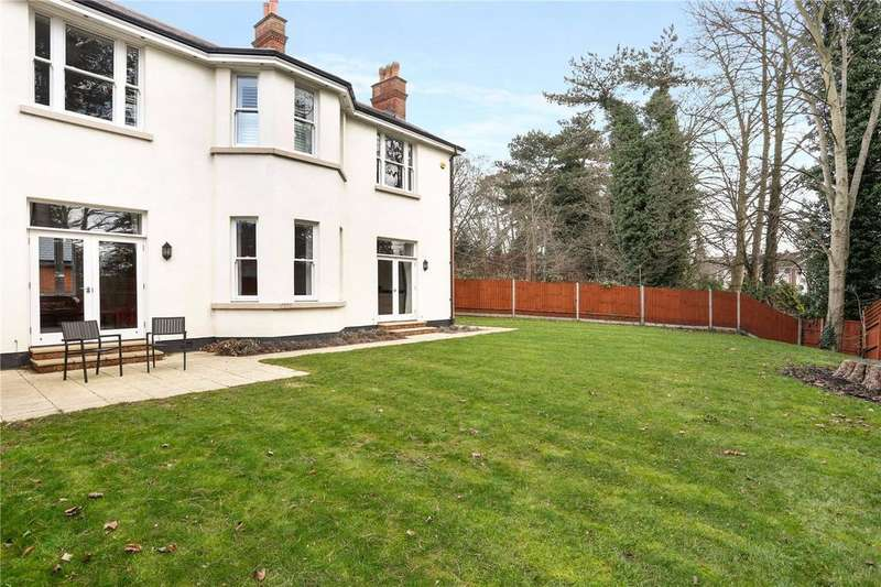 4 Bedrooms House for sale in Rossmere Mews, Brentwood, Essex, CM14