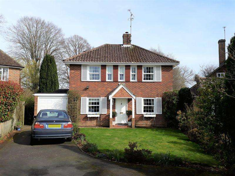 4 Bedrooms Detached House for sale in Dukes Road, Lindfield, West Sussex